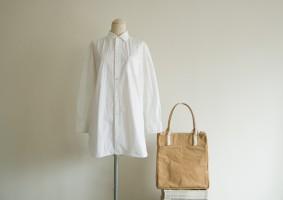 2018シャツと鞄01